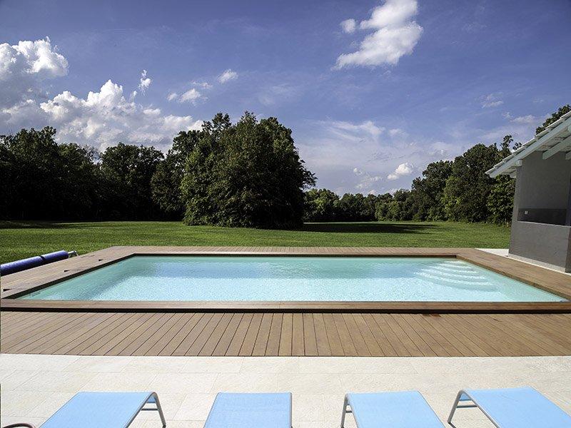 Terase oko bazena